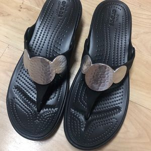Size 9 Crocs